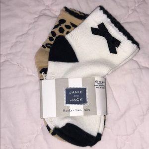🆕 janie and jack 2 pair socks 12-24 mos
